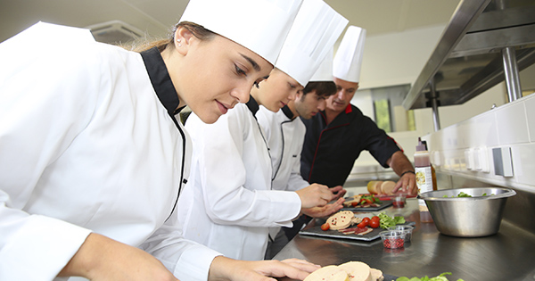 Chef_Intern_iStock_000025923590Large_FB