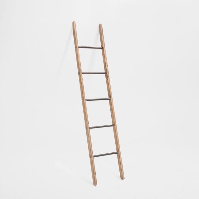Zara-Towel_Ladder-1.jpg