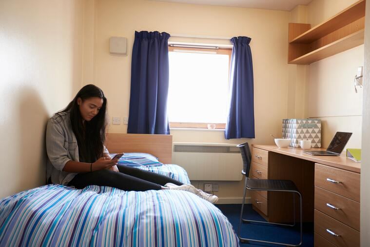 college life: should i be an ra?